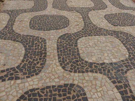 Steinmosaik an der Ipanemabeach