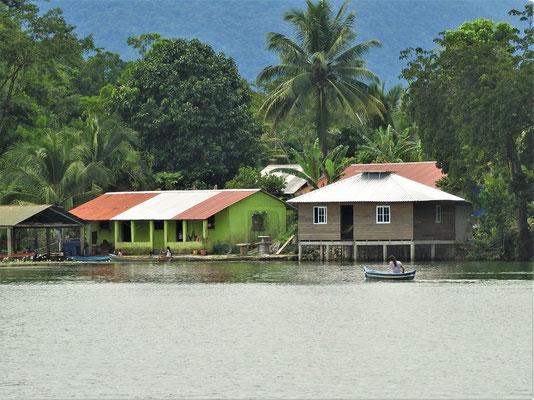 Häuser der indigenen Bevölkerung