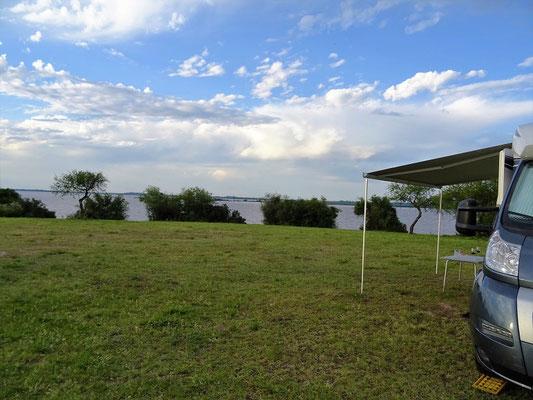 Unser Übernachtungsplatz mit Blick auf den Río Uruguay