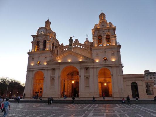 Kathedrale Córdoba 18. Jh. - eines der ältesten, aus der Kolonialzeit stammenden Bauwerke Argentiniens