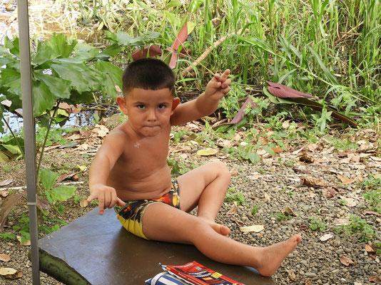 """Gerardo meint: """"He Gringo, hay cocodrilos en el agua!!""""  ;o))"""