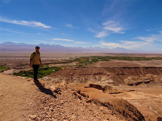 Im Hintergrund San Pedro de Atacama