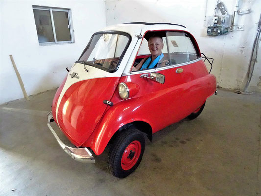 Im Automuseum der Fabrik
