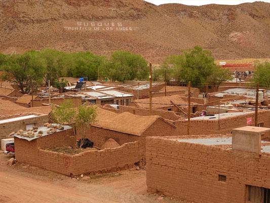 Die meisten Häuser sind aus Lehmziegel gebaut