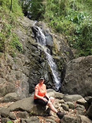 Erste Pause am Wasserfall