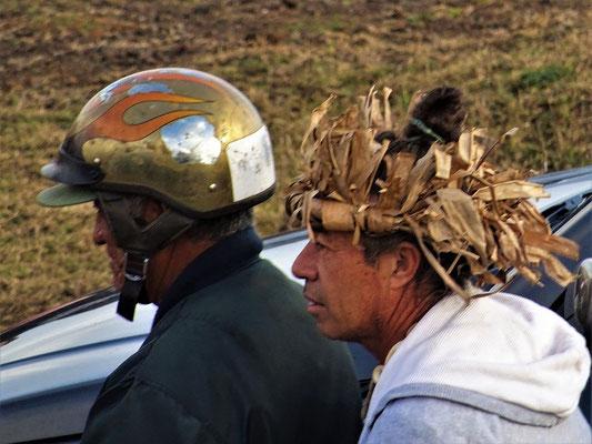 ....oder etwas verrückte Kopfbedeckungen....