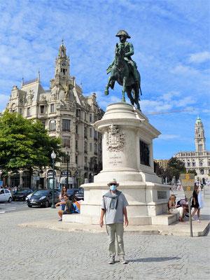 Plaça da Liberdade mit Statue Dom Pedro IV.