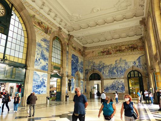 ....mit den 20'000 Azulejos als Wandbilder...
