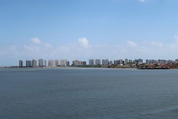 ....und auf die Peninsula da Ponta d'Areia....