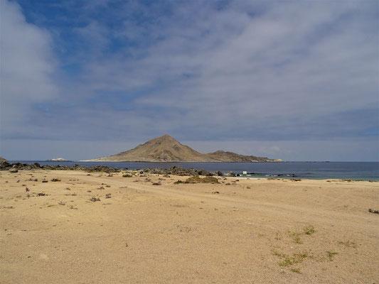 ....gegenüber der Naturschutzinsel Pan de Asúcar....