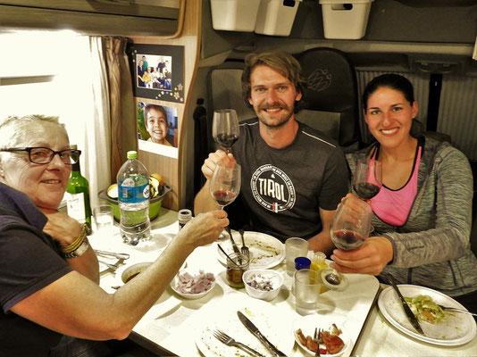 Gemütliches Beisammensein mit Carina und Tobias aus Tirol