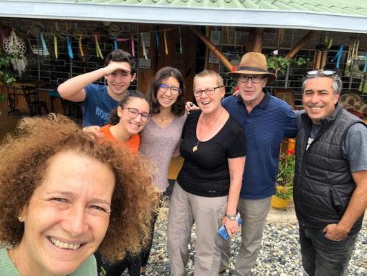Kika, Medhi, Maya, Meissa und Anouar - unsere Gastgeber