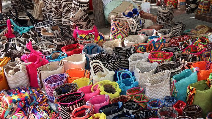 Traditionelle Taschen der Guajiro - heute beliebtes Souvenir