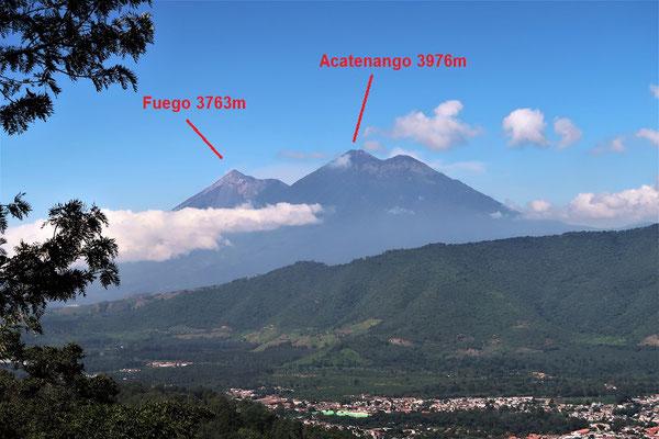Den Vulkan Acatenanco besteigen, um den Vulkan Fuego zu beobachten