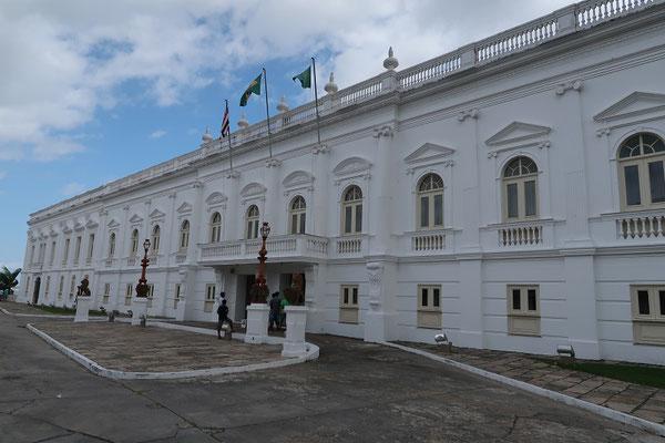 Palácio dos Leões - Zu einem Palast umgebaute französische Festung und heute Sitz des Gouverneurs