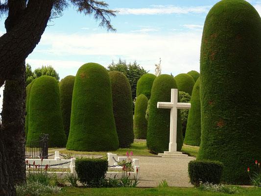 Nationaldenkmal - Friedhof für die reichen Schafzüchterfamilien....