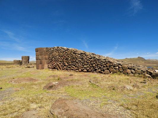Rampe zum Bau der Chullpa