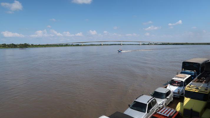 In ein paar Monaten verschwindet der Fährverkehr und die Autos fahren über die neue Brücke