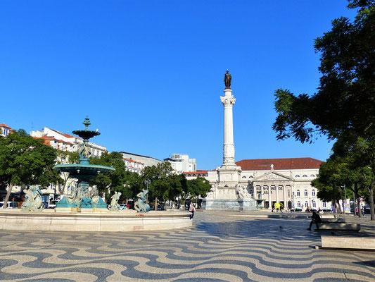 Praça Dom Pedro IV - Rossio Platz....