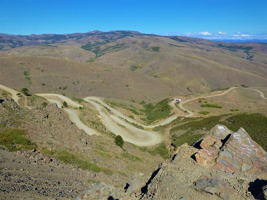 Runter geht es über die 'argentinische Tremola'