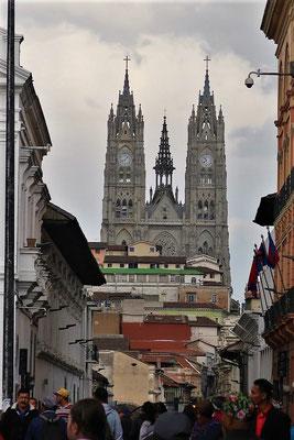 Basílica del Voto Nacional - eines der monumentalsten Gebäude der Stadt....