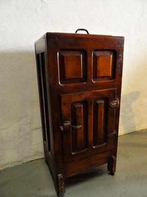 Antiker Kühlschrank