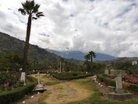 Campo Santo mit dem Huascarán im Hintergrund
