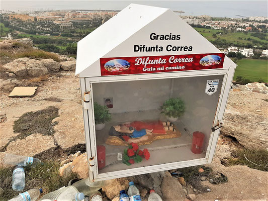Eine alte Bekannte aus Argentinien wird auch hier verehrt - Difunta Correa....