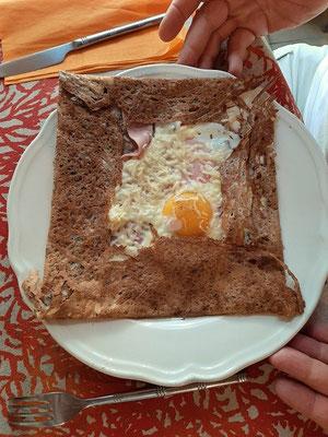 ....die herzhafte mit Schinken, Ei und Käse