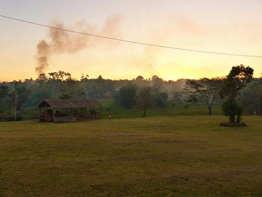 Sonnenuntergang - Zeit zur Abfallentsorgung