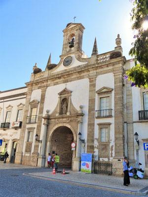 Arco da Vila - Stadttor zur alten Stadt