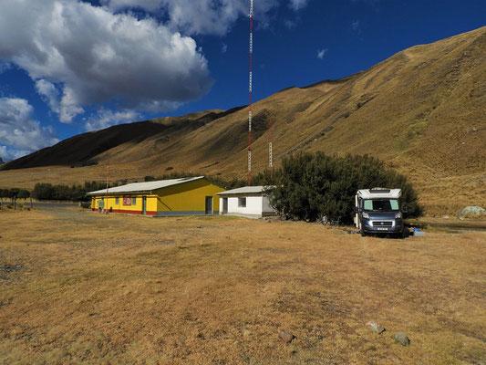 Ranger Station und Primar-Schule am Eingang des Nationalparks