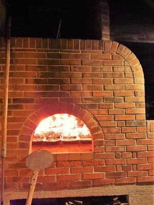 Zum Abschied gibt es selbstgemachte Pizza von Agi und Guido....
