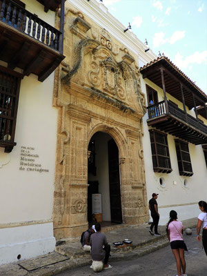 Das Eingangsportal zum Palacio de la Inquisición - heute eines der schönsten Gebäude Cartagenas.