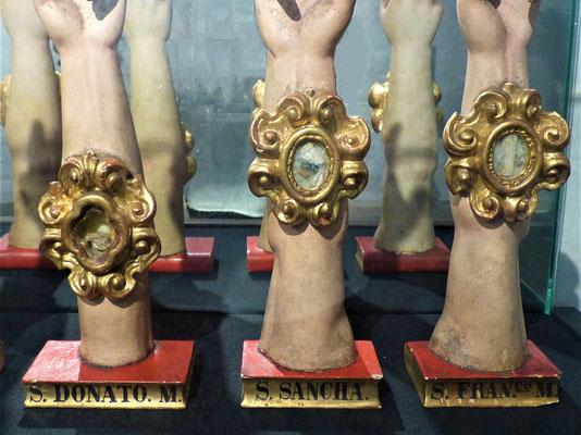 Knochen-Reliquien von Heiligen