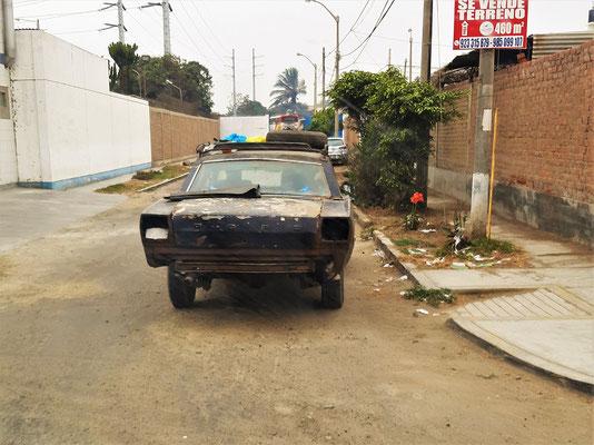 Und er fährt doch, obwohl die Polizei in Perú extrem scharf ist gegen Fahren ohne Licht - vielleicht nur bei Touristen :o/