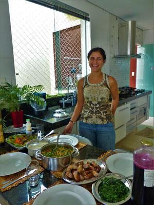 Dayse kocht für uns typisches Essen aus Minas Gerais - eine Comida Mineira
