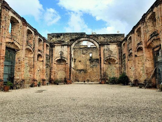 Ruine de 1749 erbauten Jesuitenkirche
