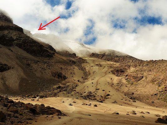 Der Gipfel versteckt sich im Nebel