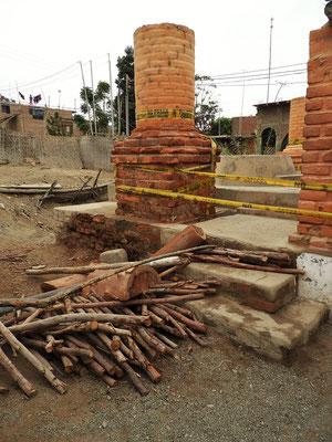 Die vom letzten Erdbeben gewaltig in Mitleidenschaft gezogene Pisco-Brennerei....