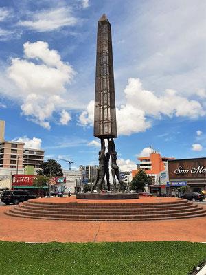 Moderner Obelisk