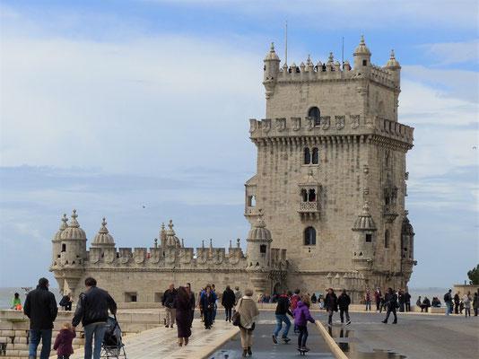 Torre de Belém - Leuchtturm auf einem Felsen in der Mündung des Tejo gelegen