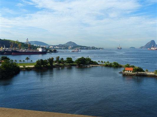 Blick auf Niterói und Zuckerhut
