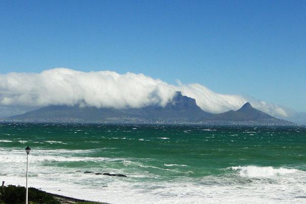 Erster Blick auf den Tafelberg