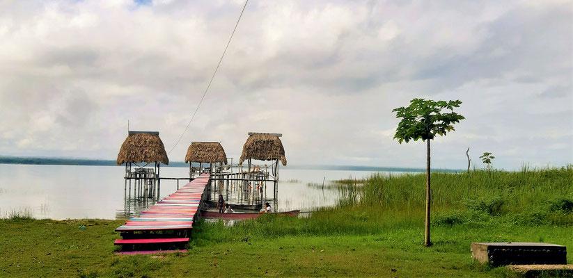 Romantische Palapas/Hütten im See