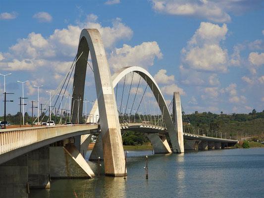 Kubitscheck-Brücke