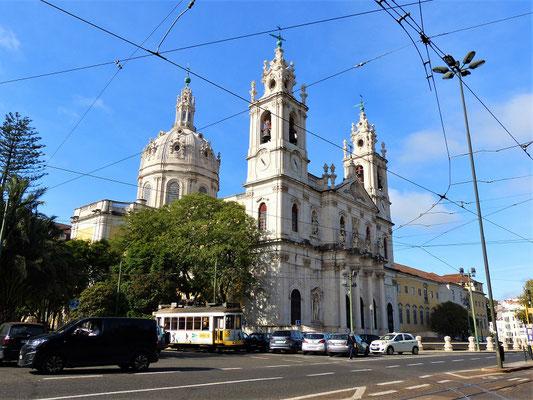 Basílica da Estrela - wurde zum Dank der Geburt eines männlichen Thronfolgers 1761 vom Königspaar in Auftrag gegeben....
