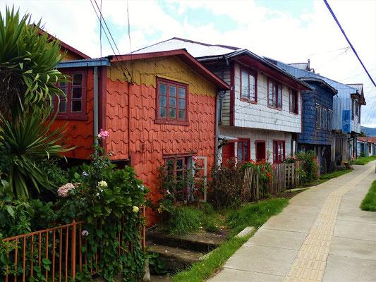 Typische Holzschindel-Häuser in Chiloé