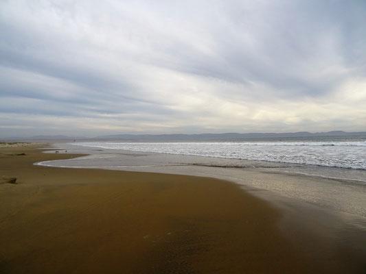 Spaziergang am Pazifik-Strand