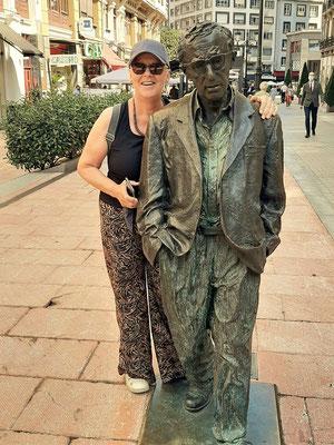Mr. Woody Allen mit 'Freundin' ;o))